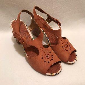 33f3148d50de08 ... Jasper   Jeera Size 10B Leather Cognac Sandals.